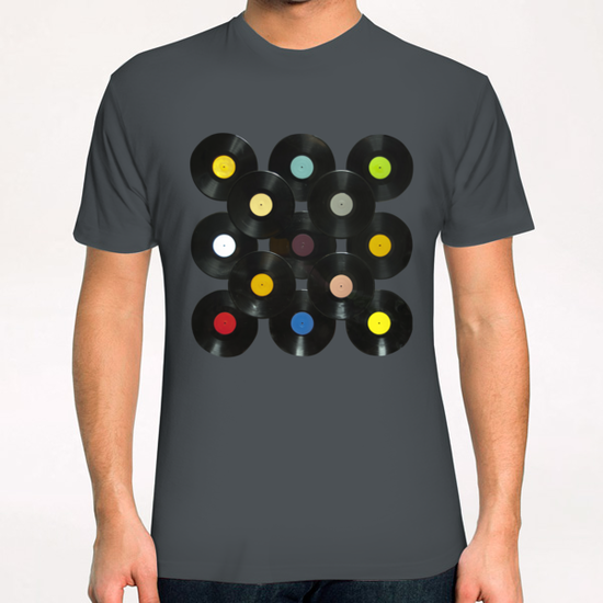 Serial Disker T-Shirt by di-tommaso