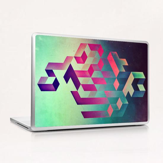 isyhyyrt dyymynd spyyre Laptop & iPad Skin by spires